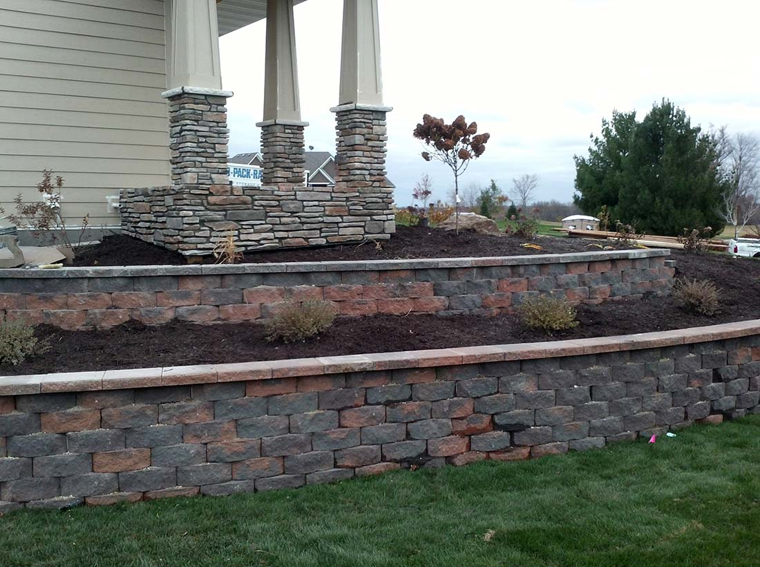 Block Retaining Wall in Burnsville, MN