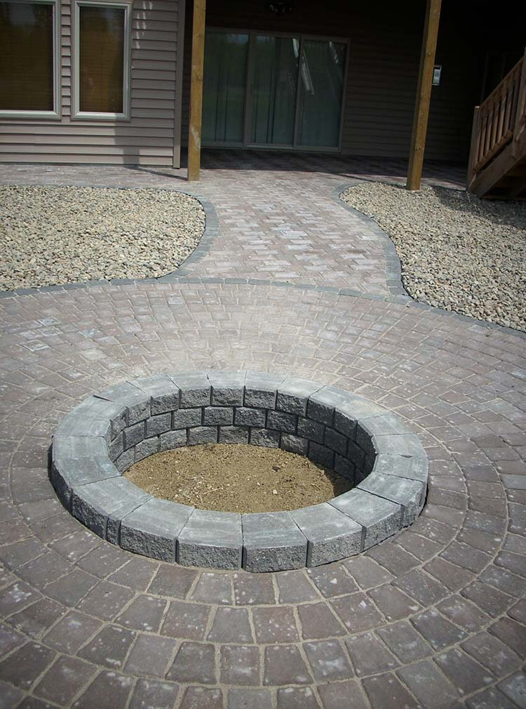 Paver Fire pit in Burnsville MN